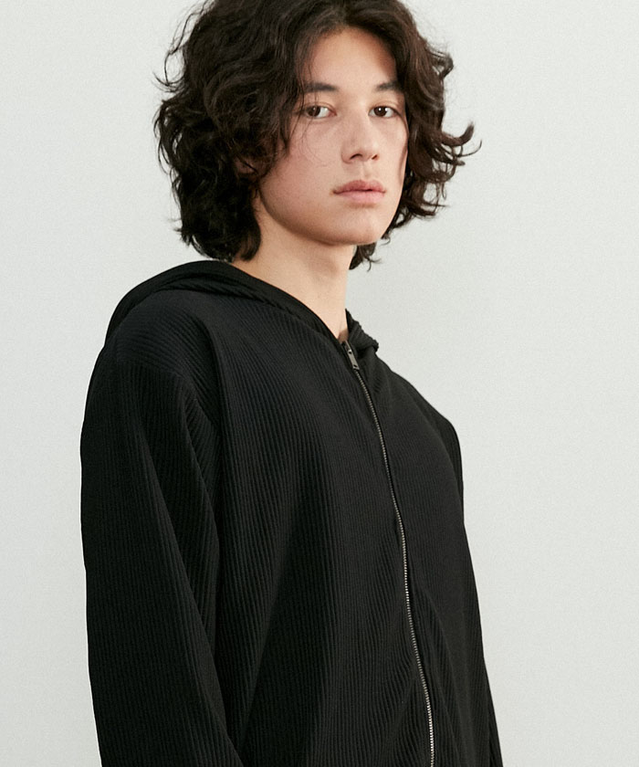 PLEATS HOOD ZIP-UP[BLACK]